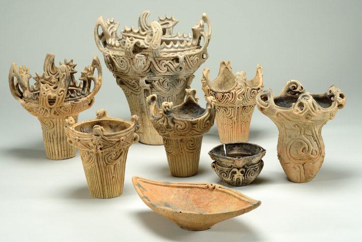 poteries préhistoriques de la période Jomon