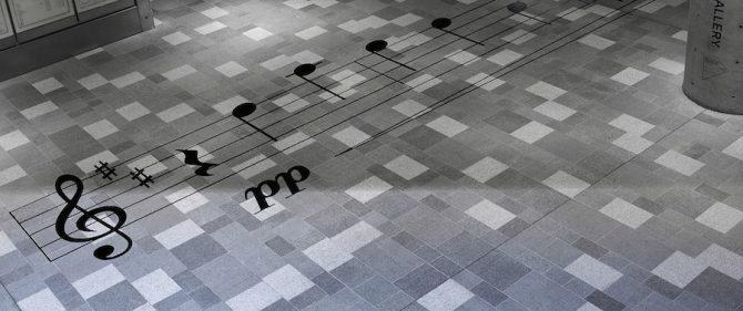 """installation artistique japonaise Eisuke Tachikawa """"Gymnopédie n° 1"""" Erik Satie"""