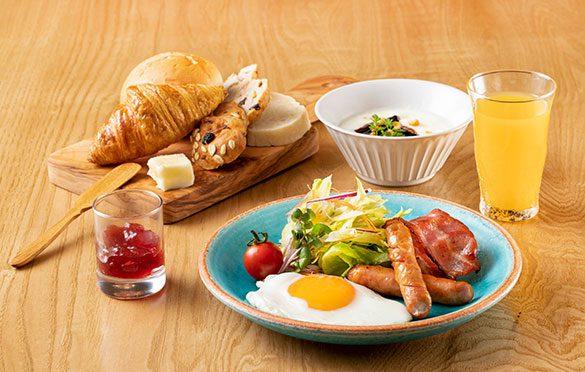 petit-déjeuner japonais yoshoku (洋食)