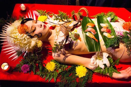 Nyotaimor art japonais sushis femmes nues