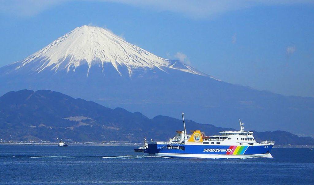 Bateau et ferry au Japon fuji